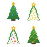 Ebene färbte Weihnachtsbaum mit Stern- und Girlandensatz Stockfotografie