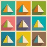 Ebene mit Schattenkonzept und beweglichen Anwendungspyramiden Ägypten stockbilder