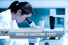 Ebola-Blitznachrichten mit medizinischen Bildern Stockfotos
