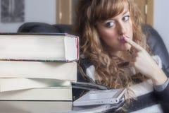 Ebook或书? 免版税库存照片