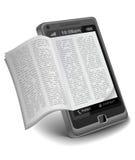 Ebook auf Smartphone Lizenzfreie Stockbilder