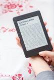 Ebook avläsare med kopieringsutrymme Royaltyfri Fotografi