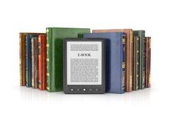 EBook czytelnik z stertą książka ilustracji