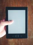 EBook czytelnika elektroniczna pusta strona w rocznika koloru brzmieniu zdjęcie royalty free