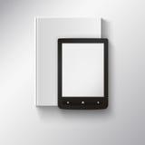 EBook, das auf Buch liegt. Illustration mit Stockfotos