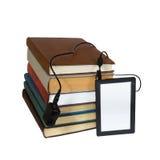 EBook eller många böcker royaltyfri bild