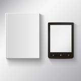 EBook und Papierbuch Lizenzfreies Stockfoto