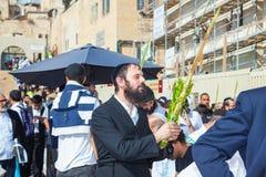 Ebrei che indossano tallit Fotografie Stock Libere da Diritti