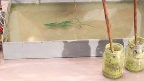 Ebru - Kunst der Zeichnung auf dem Wasser stock video