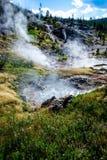 Ebulição da água dos potenciômetros de pintura de Yellowstone Imagem de Stock Royalty Free