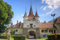 Ecaterina Gate è stata costruita per l'accesso dei rumeni dal distretto di Schei nella fortezza di Brasov fotografia stock