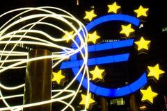 ECB för abstrakt begrepp för eurosymbolPole ljus Royaltyfri Foto