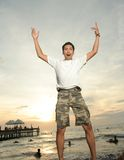Eccitando alla spiaggia tropicale Fotografie Stock Libere da Diritti