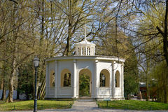 Echopaviljoen, Maksimir-park in de lentetijd, Zagreb, Kroatië stock afbeelding