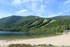 Echowy Jeziorny stanu park Conway, NH obraz stock