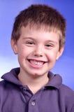 Echt zeer gelukkig en kind die glimlachen Royalty-vrije Stock Fotografie