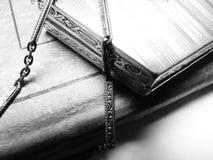 Echt zilveren poeder compact met ketting Royalty-vrije Stock Afbeelding