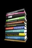 Echte boeken op zwarte Royalty-vrije Stock Fotografie