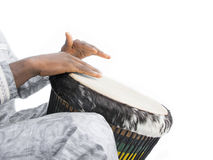 Echte Djembe-speler, traditioneel kledingstuk, Senegal stock foto's