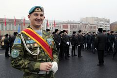 Echte Russische Krachtenmilitair In de lucht Stock Afbeelding