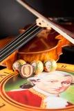 Echte Salzburger Mozartkugeln durch Mirabell Lizenzfreie Stockfotografie