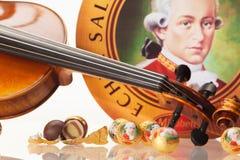 Echte Salzburger Mozartkugeln vid Mirabell Arkivfoton