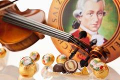 Echte Salzburger Mozartkugeln vid Mirabell Arkivbilder