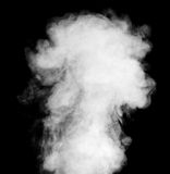 Echte witte stoom op zwarte achtergrond Stock Afbeelding