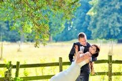 Echtgenoot en vrouw bij het paleis royalty-vrije stock fotografie