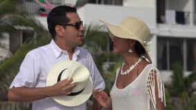 Echtgenoot en Vrouw die op Vakantie debatteren stock videobeelden
