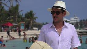 Echtgenoot en Vrouw op Vakantie stock video