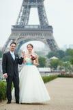 Echtpaar enkel in Parijs Royalty-vrije Stock Afbeeldingen