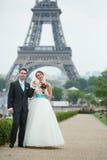 Echtpaar enkel in Parijs Royalty-vrije Stock Afbeelding