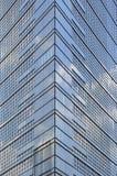 Ecke des Wolkenkratzers Stockfoto