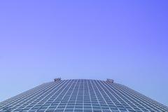 Ecke eines modernen Gebäudes Stockfotos