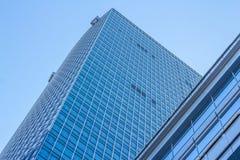 Ecke eines modernen Gebäudes Lizenzfreie Stockbilder