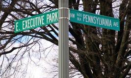 Ecke von Pennsylvania und von Exekutivpark, die Nation ` s Adresse des Weißen Hauses auf der Südwestseite Stockfoto
