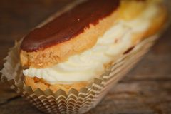 Eclair de chocolate Fotografia de Stock Royalty Free