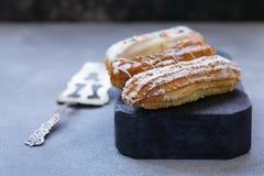 Eclairs da pastelaria dos Choux fotografia de stock