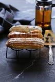 Eclairs da pastelaria dos Choux foto de stock