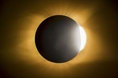 Eclipse solar total Diamond Ring Effect Fotos de archivo
