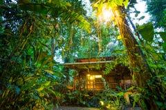Eco小屋在Puerto Viejo,哥斯达黎加 免版税库存图片