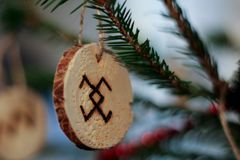 Eco概略宴餐II的圣诞树装饰 库存照片