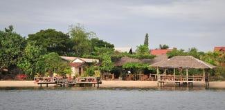 eco的木房子在湄公河三角洲,越南依靠 免版税库存图片