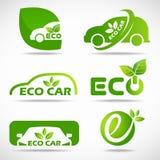 Eco billogo - det gröna bladet och bilen undertecknar fastställd design för vektor Royaltyfria Bilder
