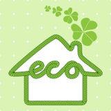 Eco dom z koniczyną Zdjęcia Royalty Free