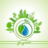 Eco-Energie-Konzept mit Blatt, Stadtbild und Wasser fällt Lizenzfreies Stockbild