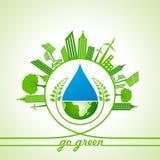 Eco-Energie-Konzept mit Blatt, Stadtbild, Wassertropfen und Erde Stockfoto