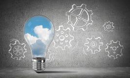 Eco-Innovationskonzept mittels der Glühlampe Lizenzfreies Stockbild