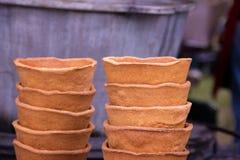 Eco naczynia, talerz chleb przy festiwalem uliczny jedzenie fotografia stock